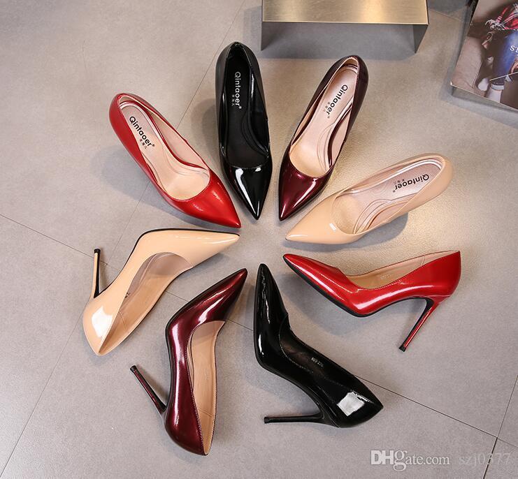 Совершенно новый дизайнер Красный ню женщины насосы высокие каблуки 10/8/6 см шпильках мокасины острыми носами насосы днища платье обувь с коробкой