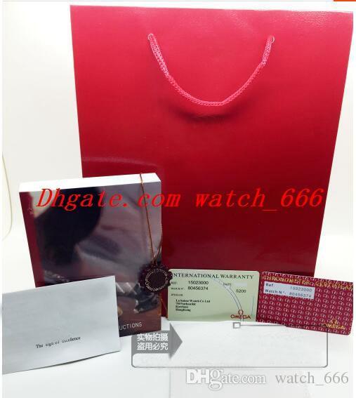 Boîte de montre Rouge De Luxe BOÎTE À MONTRE Nouveau carré Boîte rouge Pour les montres Livret Carte Étiquettes Et Papiers Certificat Épais Hommes Montres Boîtes