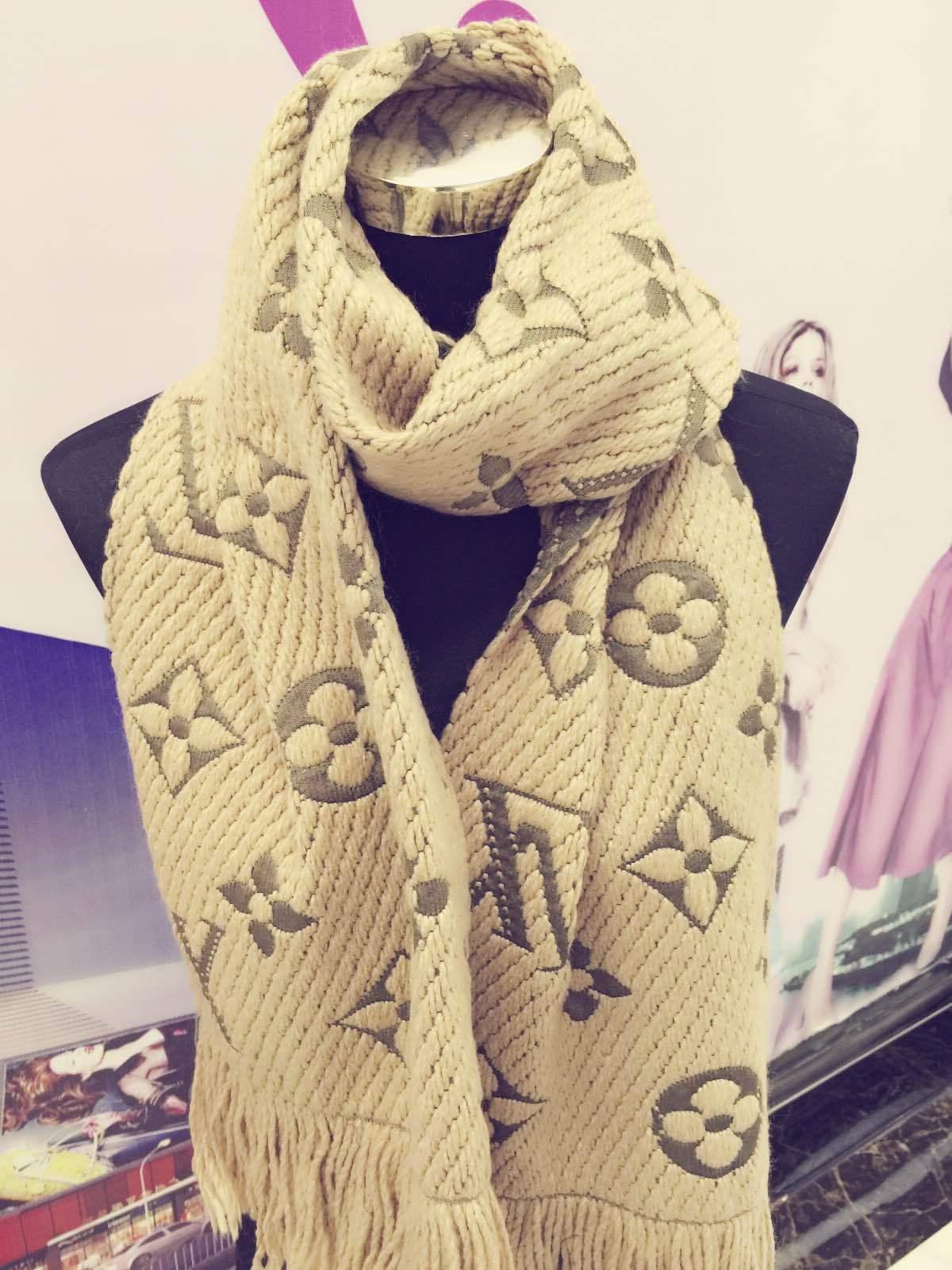 Jiangyu 2019 Fabrika Fiyat Yüksek Kalite Moda Sonbahar Kış Örgü yün atkı Alez Yün Tassel'in eşarplar wrap Şal Bej Kaşmir