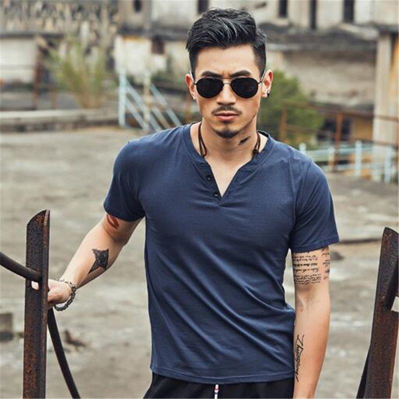 Мужская футболка с V-образным вырезом на пуговицах сплошной цвет, мужские футболки, тонкие футболки, повседневная одежда с короткими рукавами, рубашка с короткими рукавами, фитнес, половина рукава