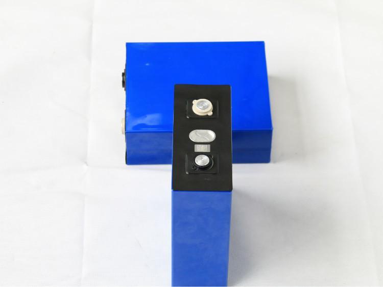 Lityum İyon 3,2V 100Ah Akü LiFePO4 Hücre Dengeleyici Lityum Batarya Scooter Elektrik