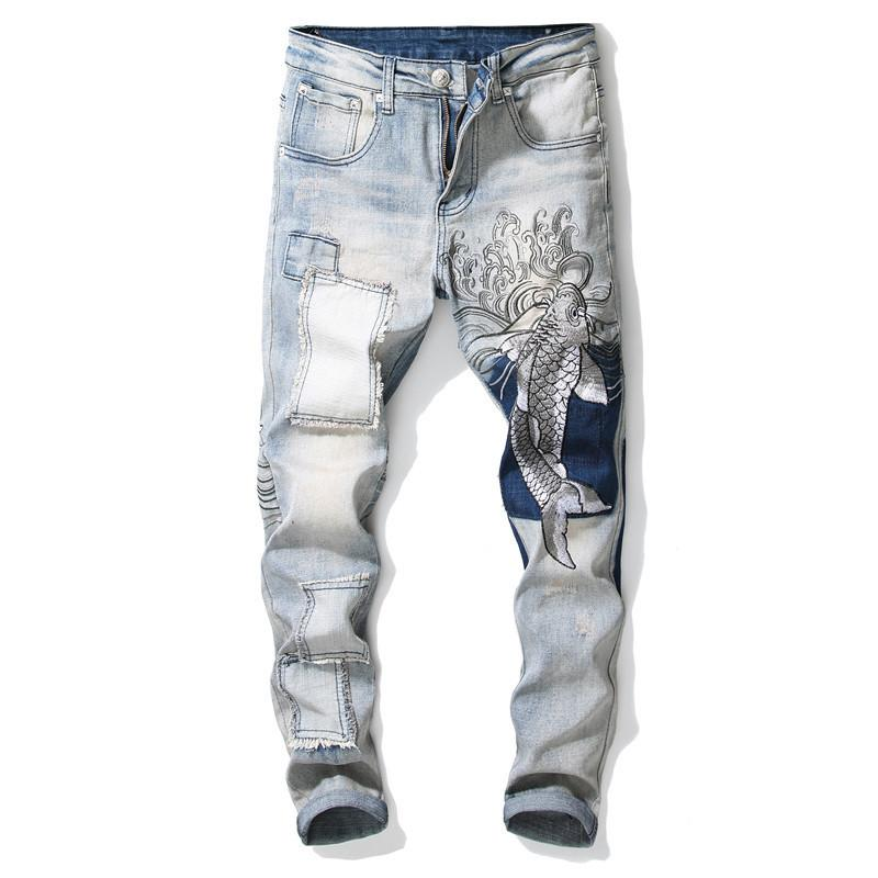Uomini di modo ha rattoppato ricamati pantaloni dei jeans denim stretch pantaloni con patchwork: Uomo Luce Blue Fish ricamo