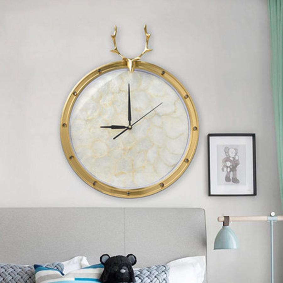 Nordic Luxury Art Wall Clock Silent Living Room Decoration Wall Clock Modern Design Copper Deer Watch QZE071