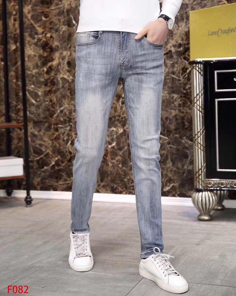 Autunno e dei jeans dei nuovi uomini di inverno pantaloni nuovi maschio di colore chiaro selvaggio tigre testa ricamo dritto Slim elastico