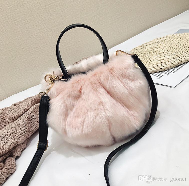 Designer-Schultertasche Frauen Wollstoff mit weichem Haare Handtaschen-Dame Netter Winter-Tasche Mehr Farbe Mode Frauen Fluffy Bagy