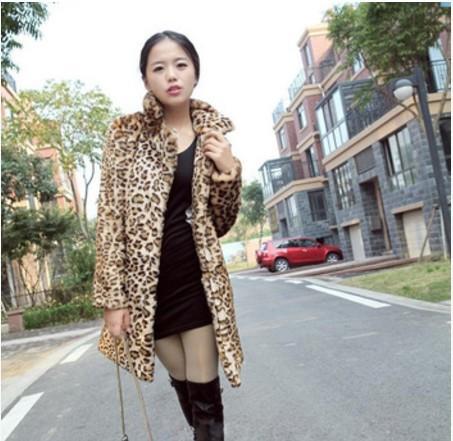 여성용 모피 가짜 2021 Vetement 겨울 슬림 코트 Femme Furry 윈드 브레이커 outwear Leopard Preppy 대형 오버 코트 AW152