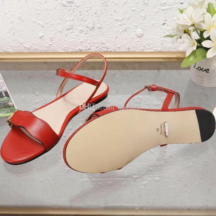 가죽 샌들 최신 럭셔리 여성 샌들 패션 여름 낮은 힐 여성 디자이너 샌들 크기 35-41 모델 52463101