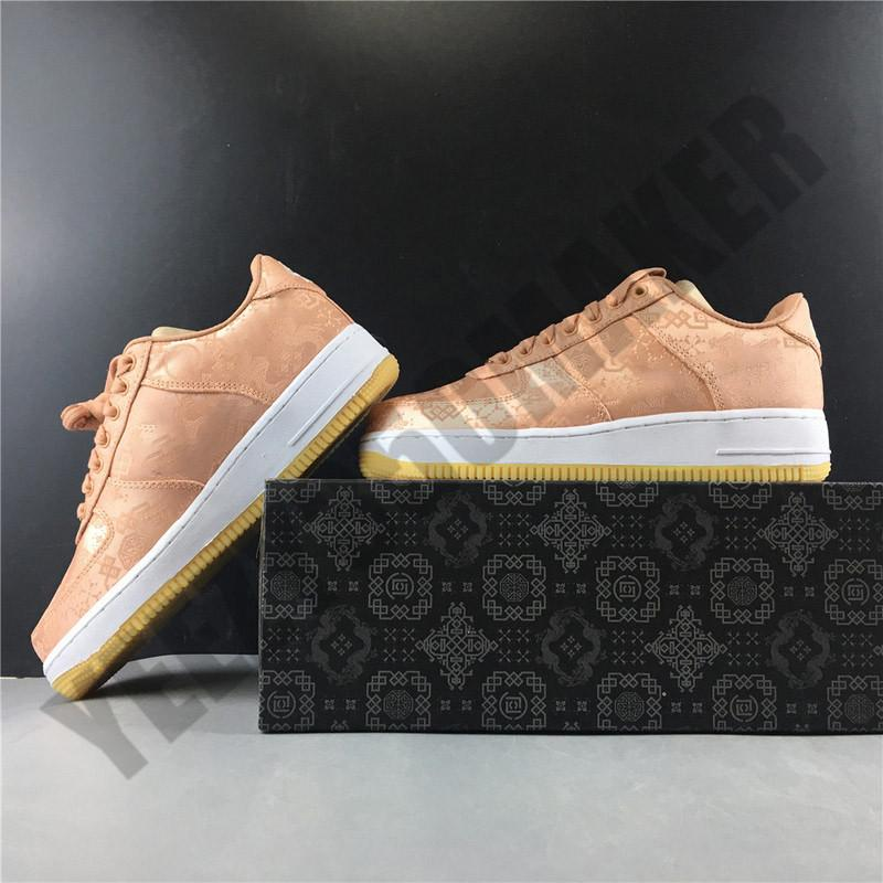 2020 niedrig CLOT 1 Rose Gold Seidenstoffe Skateboard-Schuhe Männer Frauen arbeiten Comfortable Outdoor-Mann Womans Trainer Turnschuhe CJ5290-600