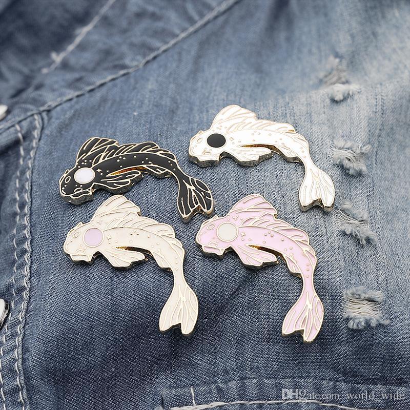 Yin Yang Koi Pins Japonés Koi Pescado Pez dorado Esmalte Duro Solapa Pins Insignias Broches Animal Pins Clooección