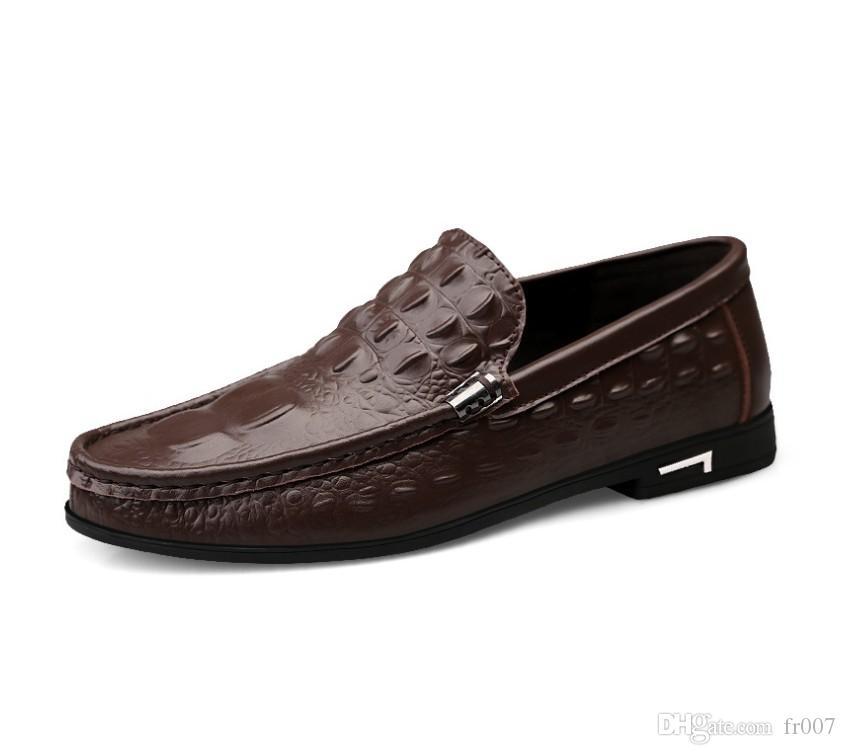 Scarpe di marca di moda estate morbida di stile Mocassini degli uomini dei fannulloni di alta qualità del cuoio genuino dei pattini casuali degli appartamenti degli uomini Gommino nero che guida