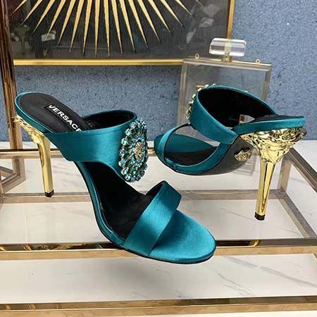 Versace womens shoes 2020 أحذية أحذية أحذية الصندل ذات جودة عالية حذاء حذاء حذاء مزلق حذاء عادي الحجم: 35-41 F25252
