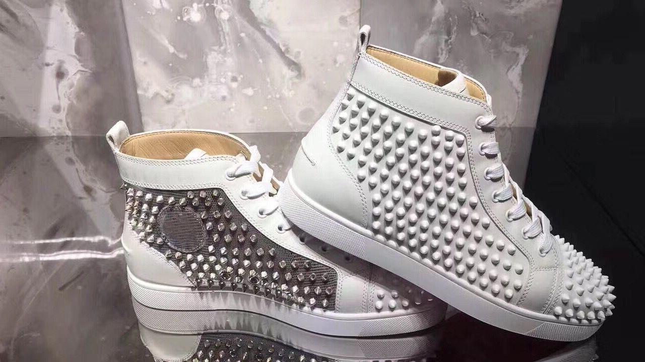 Formação Flats 18S Coleção Homens Mulheres de couro genuíno Branco-lasca Partido vestido de design Red High Top inferior Spikes Sneakers Shoes, Luxo