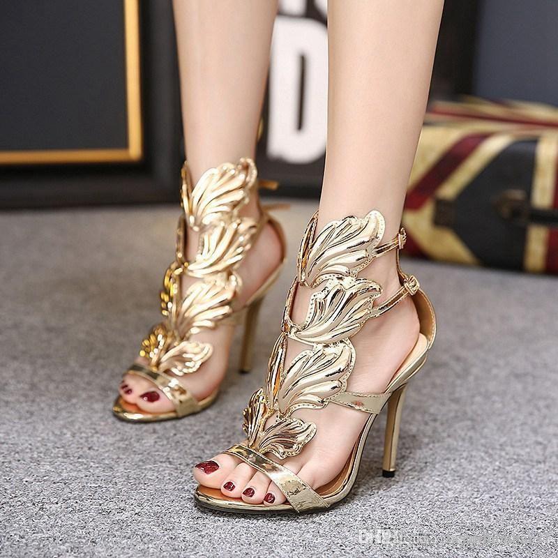 나비 샌들 디자이너 여자 금속 잎 날개 높은 굽 샌들 골드 파티 이벤트 신발 검투사 금속 날개 달린 샌들 Sandale