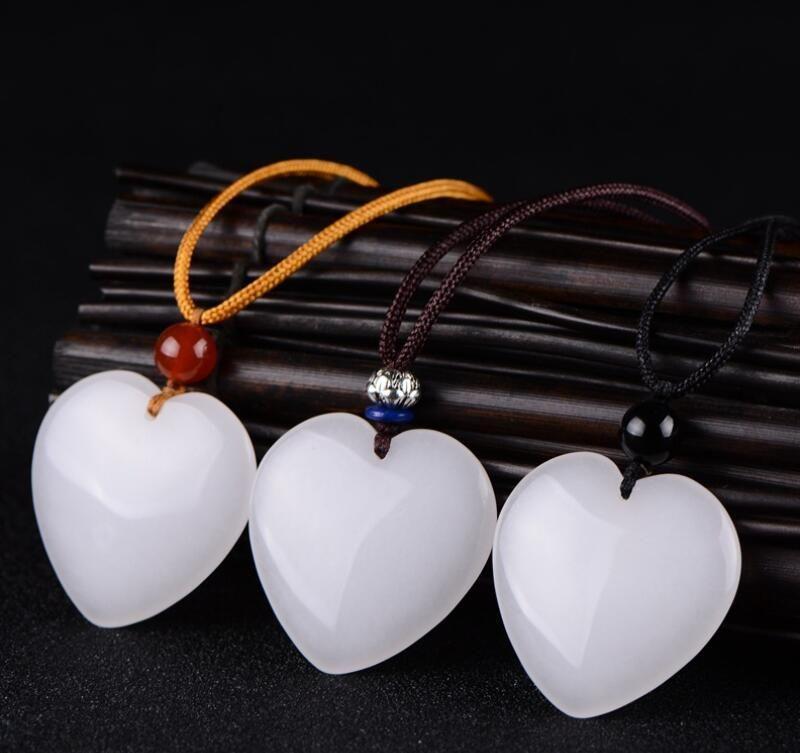 Naturale ciondolo giada bianca a forma di cuore per gli uomini e le coppie donne giada ciondolo cuore collana amore cuore della pesca di pendente catena maglione giada