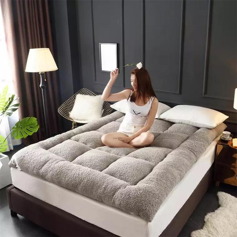 Kaşmir yatak tatami yatak cımbız yastıklı sıcak yurdu öğrenci ped yorgan yastık Aile Yatak Örtüsü Kral Kraliçe Ikiz Tam Boyutu