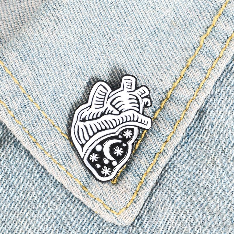 Space Heart Enamel Pin Black White star sky Badge Brooch Bag Clothes Lapel pin Cartoon Fashion Jewelry Gift for Friends