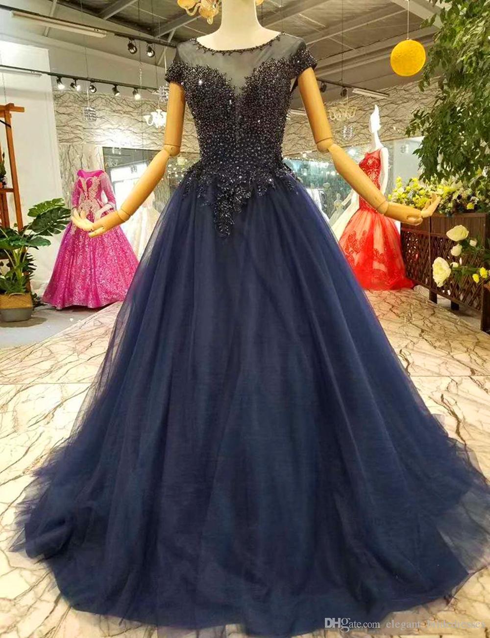 2019 pas cher simples robes de soirée longues col rond manches courtes lacets une mère de la robe de mariée robe marine bleu perlé robes de soirée de bal d'étudiants