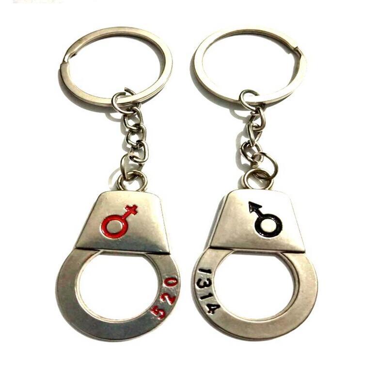Винтажный Силверс Charms Мужской Женский Знак приветствие Самец Handcuf брелок кольцо для ключей автомобиля Рождества Ключевых Колец Сумки Нового года Key Chain подарок