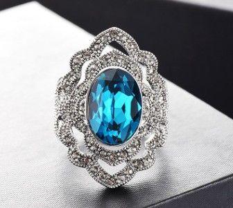 Nueva llegada de las mujeres de joyería de moda vintage hollow crystal cluster anillo cumpleaños festival regalo de año nuevo
