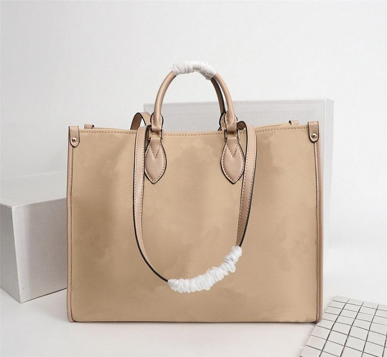 The brand new CRAFTY ONTHEGO tote bag 44571 classic ladies style, decorated with embossed leather. It has enough space and an internal pocke