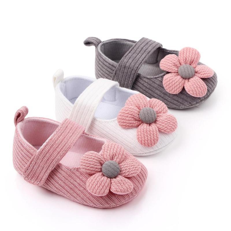 Bonito Cotton Flor Tecido Sapatas de bebê infantil menina recém-nascida antiderrapante macio Sole Crib flor sapatos Cute Baby Prewalker