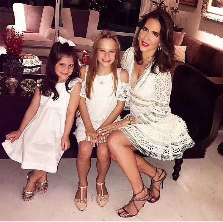 Moda-ABD 2018 Kadınlar Yaz moda tasarımcısı Pist V boyun Dantel Nakış Casual parti Mini Elbise Kadın vestido