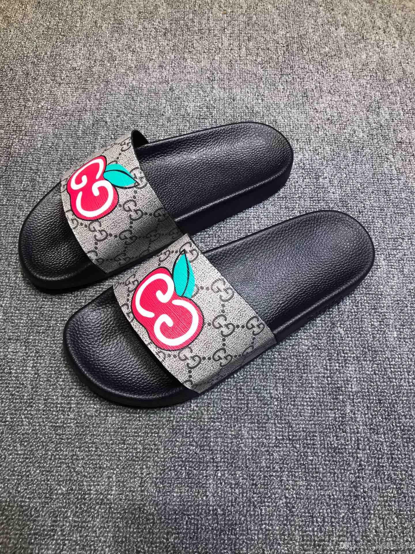Paris Luxusdesigner der Frauen Männer Sommer-Sandelholz-Strand-Slide Slippers Damen Flip Flops Loafers Print Leder Solid Color 35-46HX066