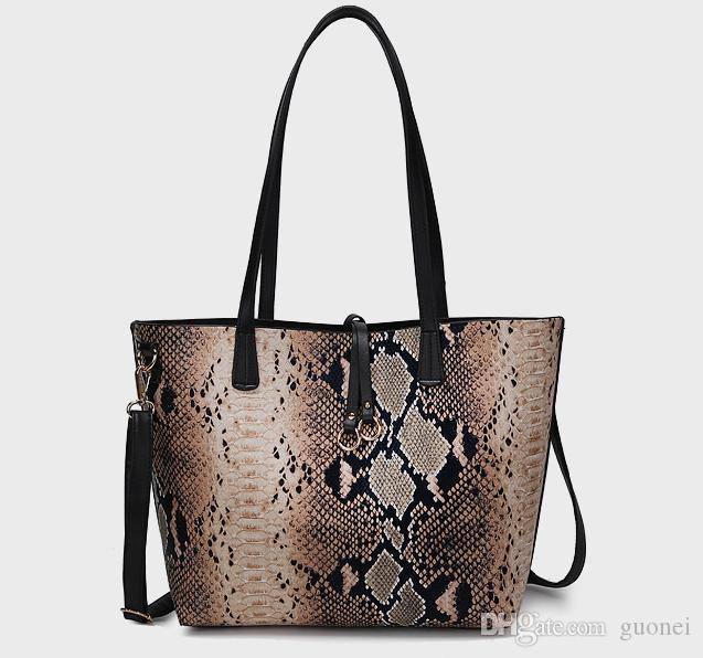 حقائب يد Designer- عالية الجودة الفاخرة حقائب سيدة أنثى البخار محشوة كعكة الأم جراب تلوين أفعواني اليد