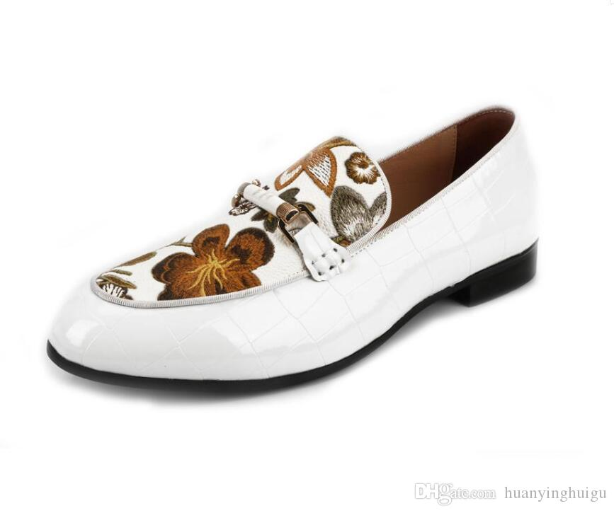 Yeni Bahar Erkekler Düğün ve Parti Ayakkabıları Moda Deri Erkekler Rasgele loafer'lar Erkek El yapımı Nakış Elbise Dans Ayakkabıları Y222