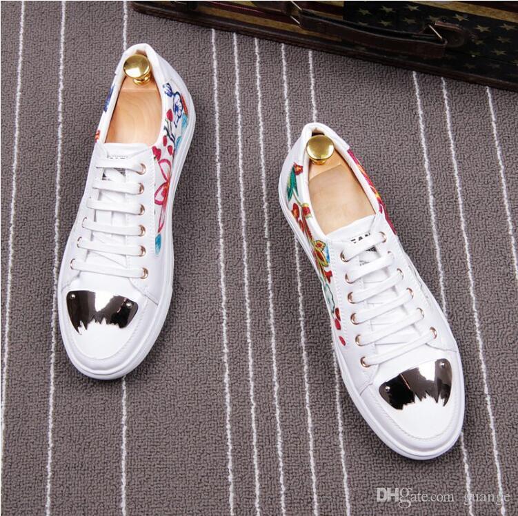 Mode Concise Hommes d'affaires Robe Chaussures Respirant dentelle broderie jusqu'à printemps Fête de mariage formel Chaussures de base E378