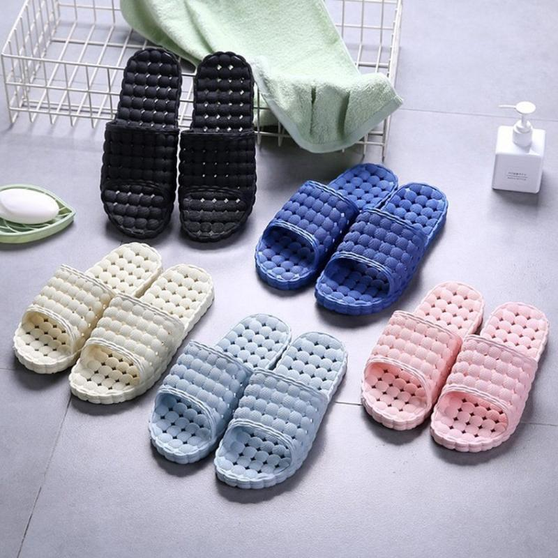 2020 Nouvelle Respirant simple Chaussons Accueil confortable flip flops de unisexe salle de bains ménagers durables Sandales d'intérieur Couple