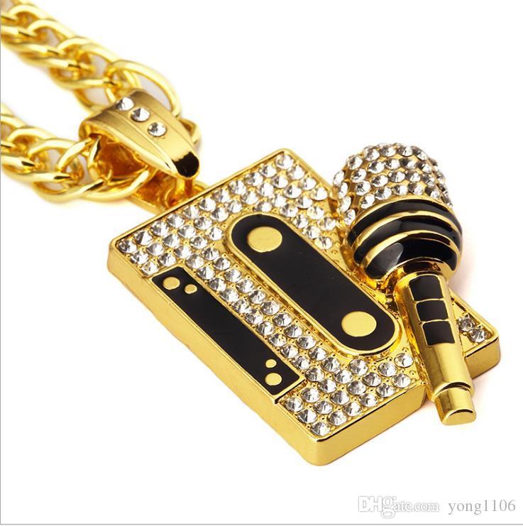 Personaggio classico europeo ed americano hip-hop hip-hop nero con diamanti intarsiati accessori nastro microfono pendente collana gioielli