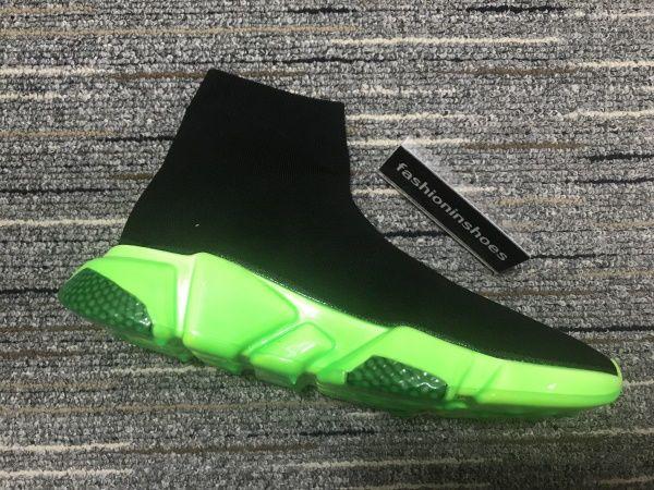 New Hombres SPEED Sneaker Graffiti Star Sock Sock Sneakers Botas Mujeres Red Bottoms Speed Trainer Runner Air Clear Sole Sneaker Reciclado Kanye Triple