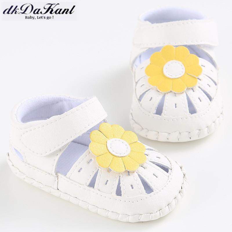 Zapatos dkDaKanl primeros caminante Zapatos Hermosa flor de verano para niños pequeños PU para niñas de 0-1 años de edad LXM44