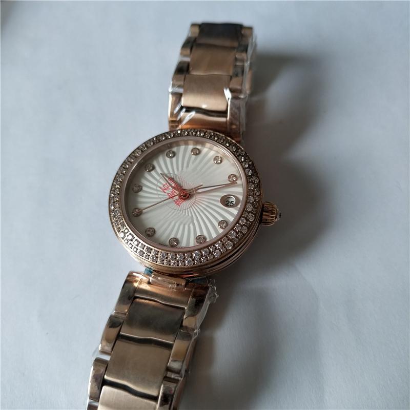 Nouveau style de mouvement automatique Diamonds Bezel pour les femmes Montres-bracelets Fashion Montre OM39