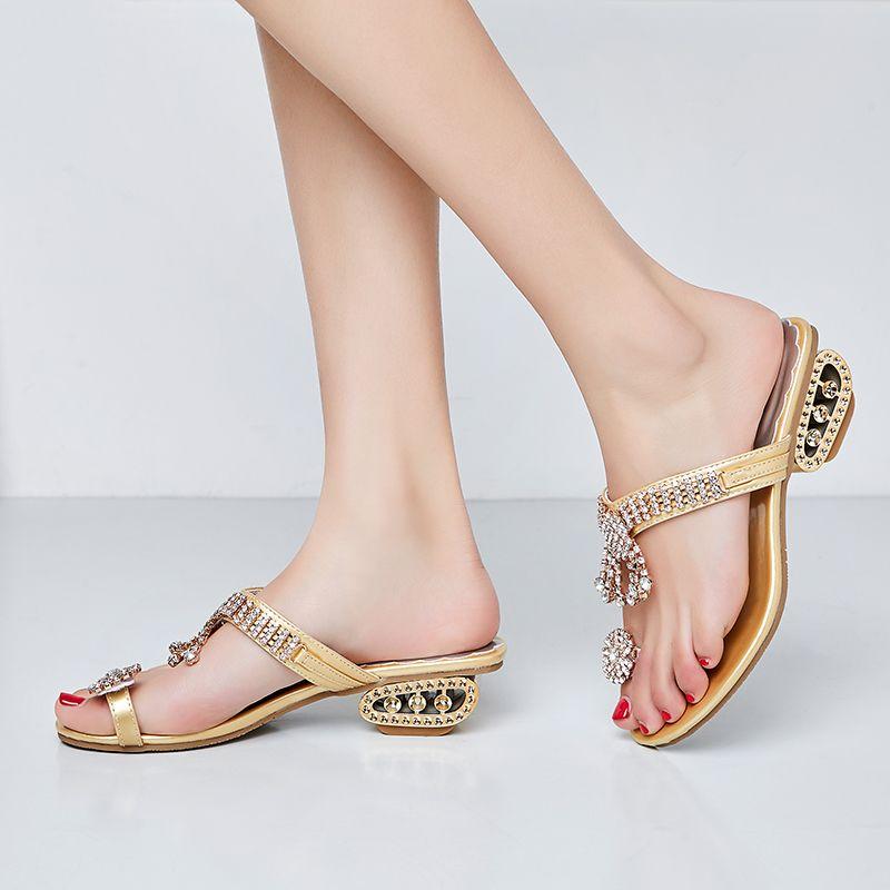 Chowaring lusso Pantofole donna di cristallo elegante 2019 tacchi mezza estate Oro Argento strass Thongs diapositive zapatillas mujer