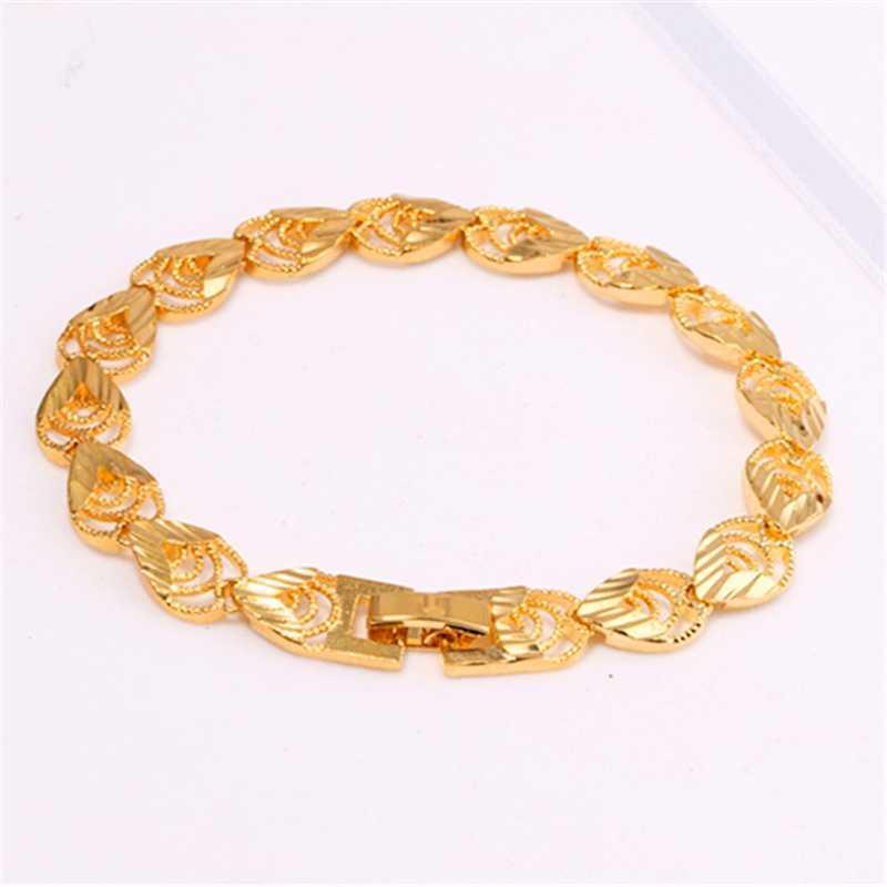 I modelli Bracciale d'Oro Moda classico temperamento femminile Bracciali d'oro selvatici