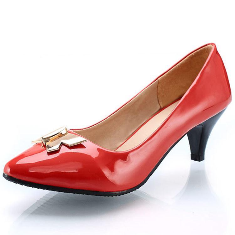 Hot2019 Signora autunno metallo decorazione singola scarpa Will Shallow Mouth Scarpe donna 40-43 codice basso Set Fine piedi con