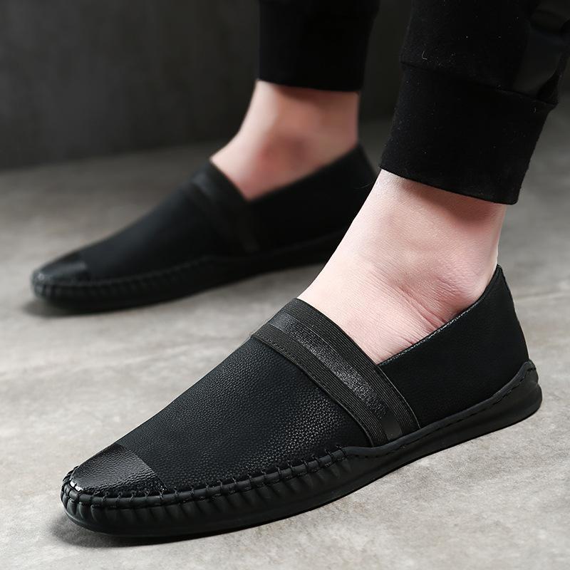 Yeni Geliş Erkekler loafer'lar Gerçek Deri Sivri Burun Moda El Yapımı Makosenler Yumuşak Deri Erkek Tekne Ayakkabı Siyah Kayma