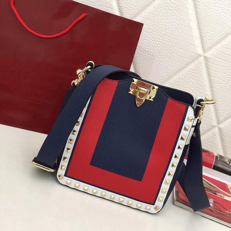 2020 Design de mode Femmes rugueux Grain Litchi motif Sacs à main Rivet véritable peau de vache en cuir dames Sacs à bandoulière 066