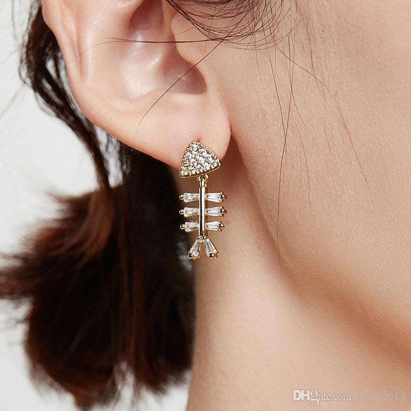 새로운 반짝이 물고기 뼈 디자인 입방 지르콘 안티 알레르기 귀걸이 파티 소녀 최고의 크리스마스 보석 선물