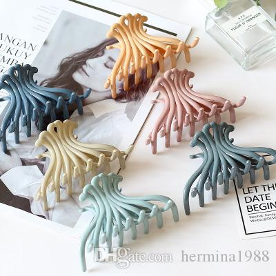 2019 Simple Women Hair Claw Hair Crab Acrylic Large Clips Make UP Hair Accessories Hairpin girls accessories Hairclip