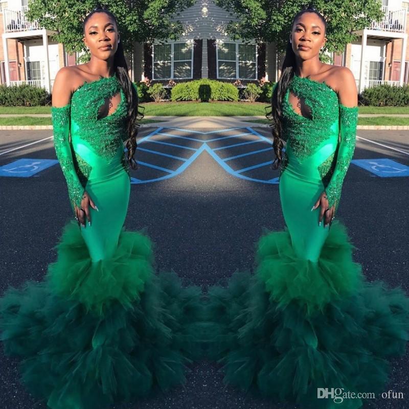 Mode eine Schulter grüne Meerjungfrau Prom Kleider 2020 Schlüsselloch Hals Langarm Applique Spitze Perlen Tiered geraffte Tüll formale Party Kleider