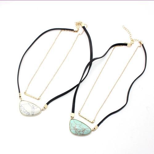 Wholesale 10 PC Beliebtes Gold überzogene unregelmäßige Form Grün-Türkis-Stein-hängende Verbindungs-Ketten-Halskette Modeschmuck
