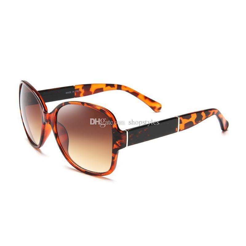 Retro mit Sonnenbrille Sun Luxuspflege Designer Weibliche Mode Frauen Gläser Übergroße Frauen Sonnenbrille Vintage Vision Protection Logo WWNFL