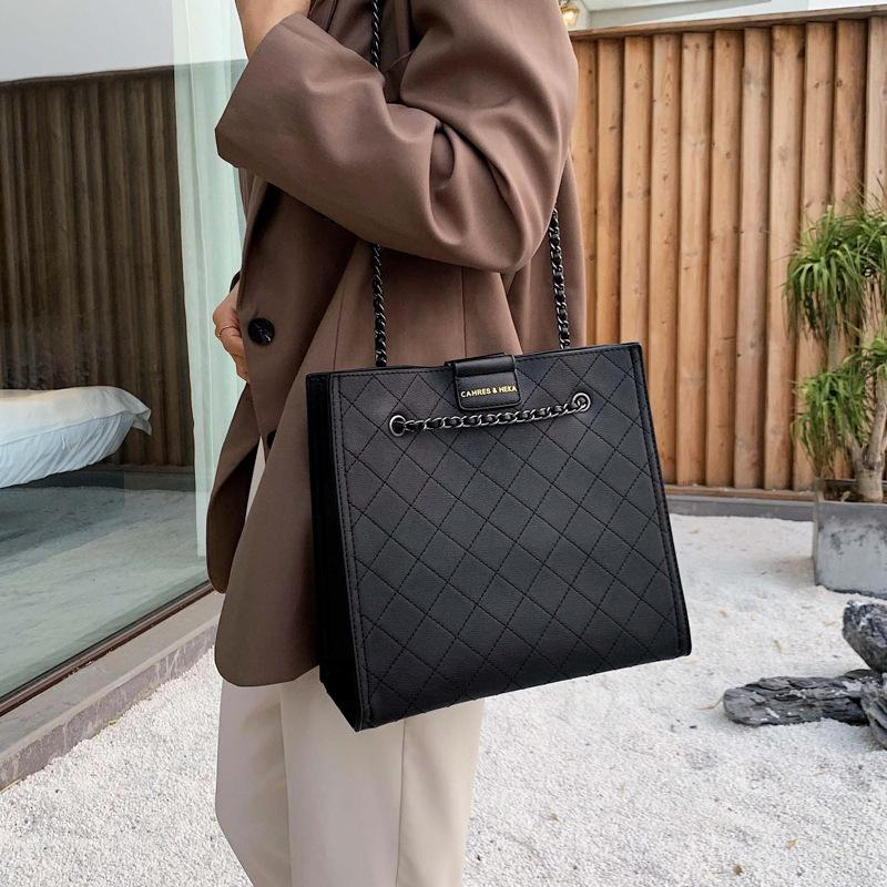New web celebrity versatile fashion shoulder bag, high quality checked hot selling bags for women, outdoor travel large capacity handbags