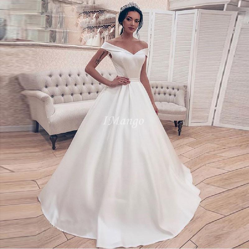 2020 de l'épaule satin des robes sans manches lacées Retour robe de bal Robes de mariée pas cher Simple arabe robes sur mesure de mariee