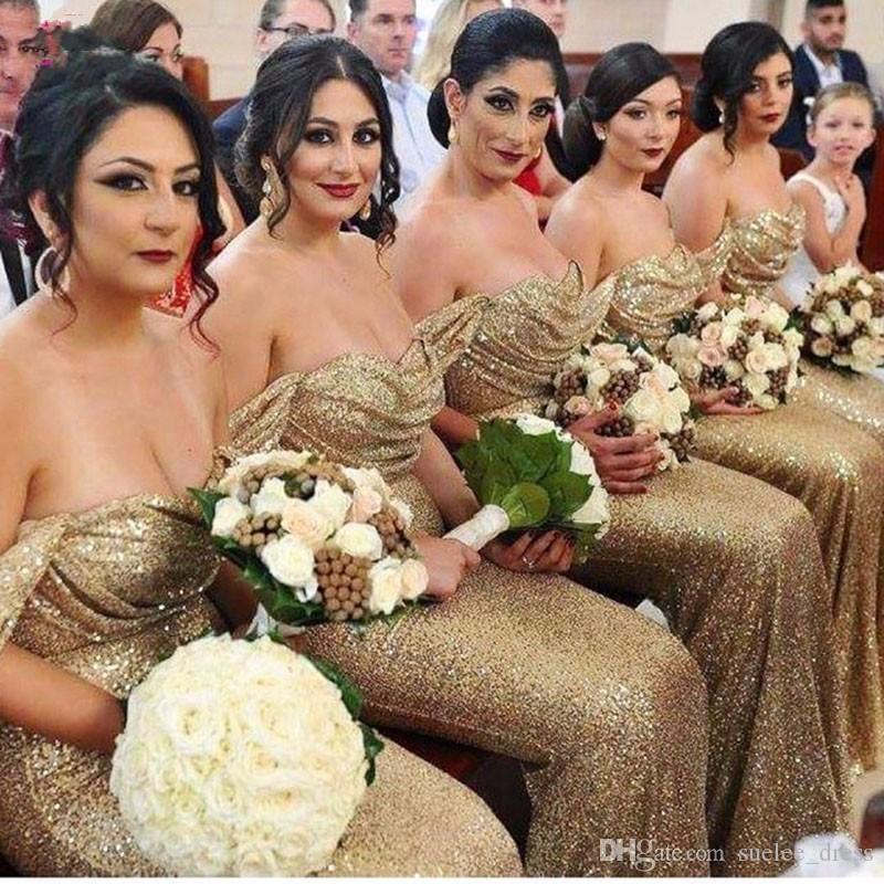 Sparkly Gold Seailsins Sirena Damigella d'onore Abiti increspati Pieghe al largo della spalla Sweep Train Maid of Honor Gown 2019 Custom Made Plus Size