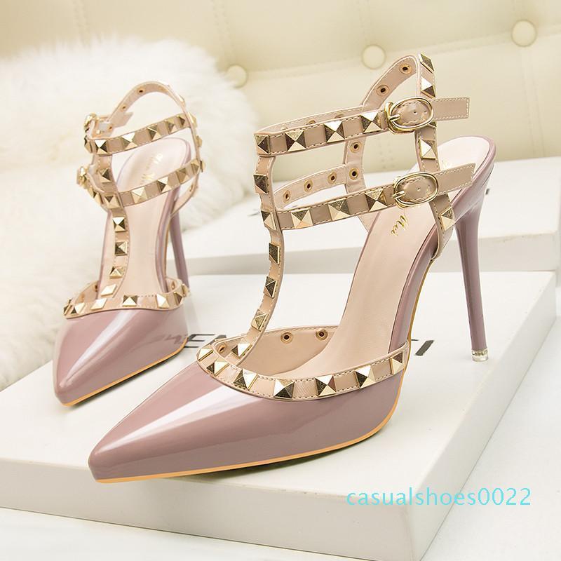 fetiş kırmızı topuklu ayakkabı kadın ayakkabı tasarımcısı rugan bayan düğün ayakkabıları perçinler gladyatör sandaletler seksi sevgililer siyah C22 pompalar