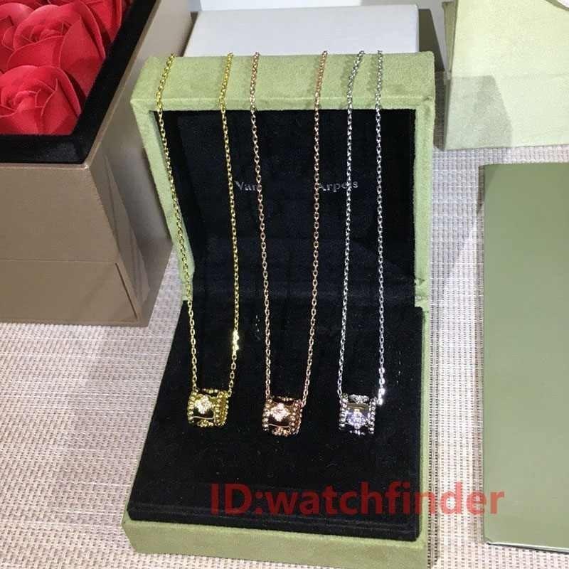 Brand New Silver mode Rose or blanc bijoux de luxe femmes diamant fleur givrée hors designer croix colliers femmes
